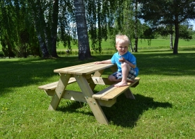 Combined garden table for children